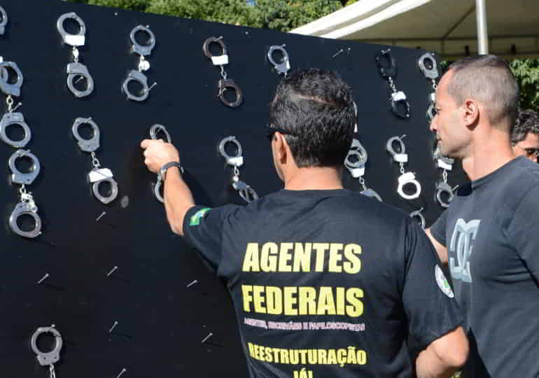 Rigorosa investigações e inquéritos da PF têm ajuda do FBI e da CIA sobre a criminosa invasão de privacidade praticada por bandidos