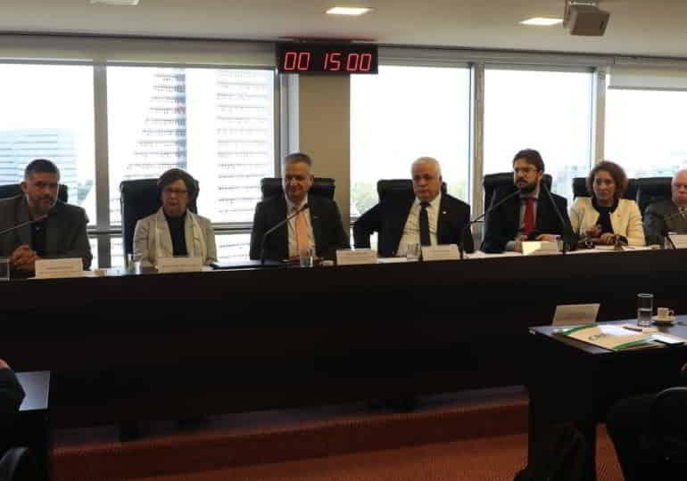 Fórum dos Conselhos Regionais discute união entre entidades