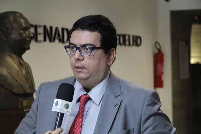 """""""Quem diz que a cloroquina não tem evidência científica está mentindo"""""""