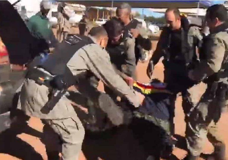 Vídeo: Chegada da viatura com o corpo de Lázaro Barbosa e comemoração dos Policiais